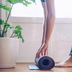 Trois pratiques de yoga pour approfondir chez vous